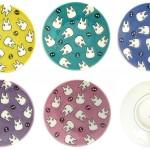 小トトロとまっくろくろすけがいっぱい!となりのトトロのキャラたちが描かれた九谷焼の豆皿が発売中!